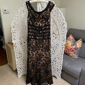 TADASHI SHOJI black lace gown